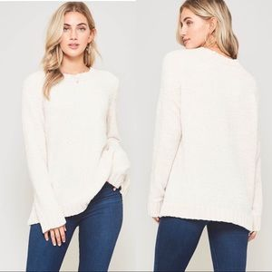 Sweaters - Soft chenille white crewneck oversized sweater